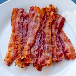 improvKitchen_howToCookBacon_00